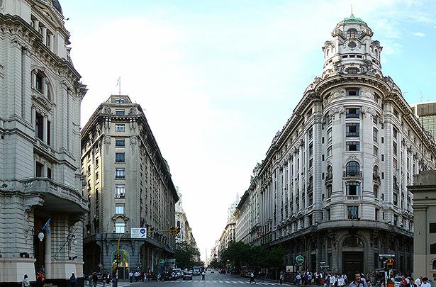 buenos_aires_decembre_2007_-_avenida_5_de_mayo