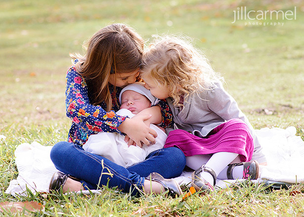 Fall family photos in McKinley Park Sacramento little girls with newborn baby brother