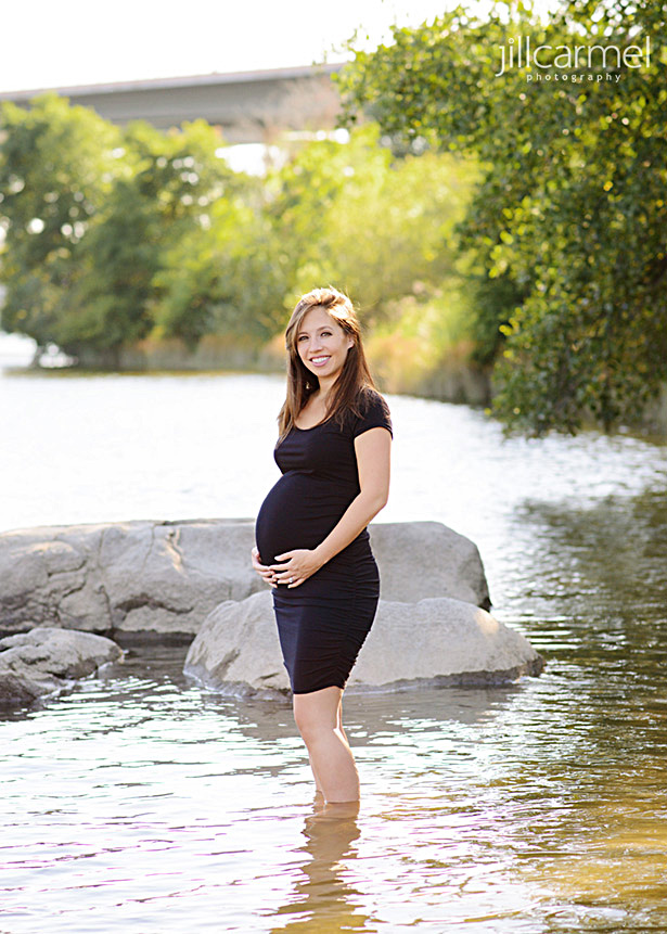 Maternity portrait at the American River in Sacramento