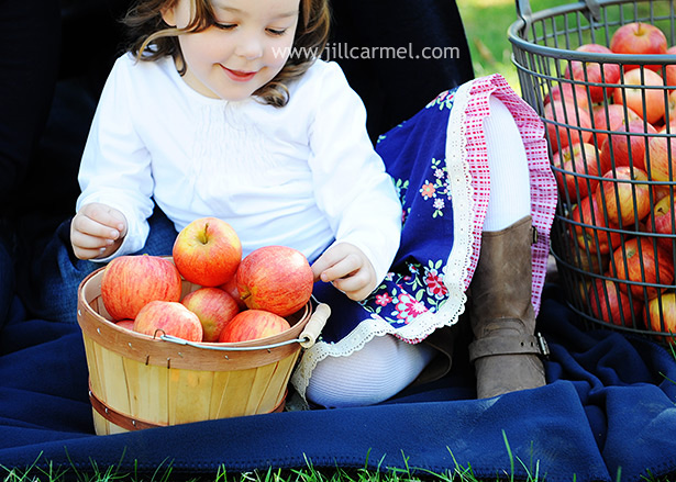 apple orchard family portraits in Sacramento