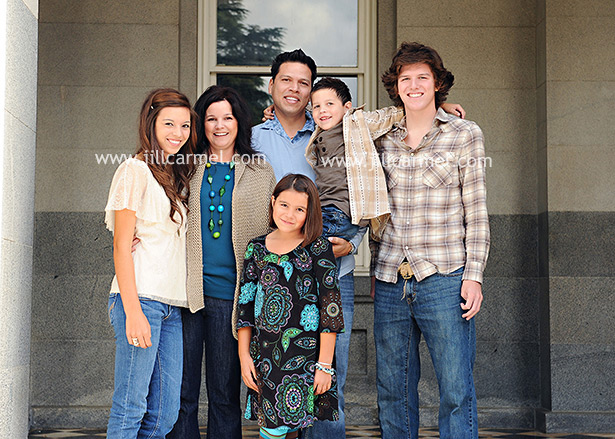 great outfits make great family pictures