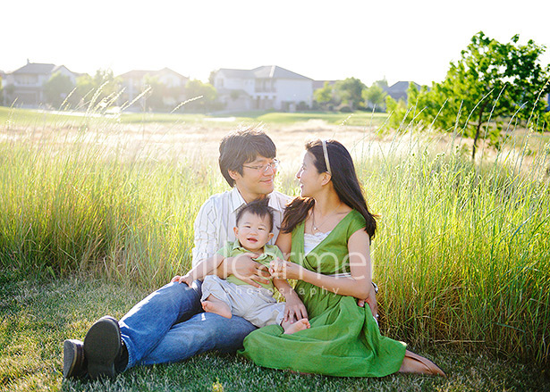 perfect spot in folsom for casual family portrait on the golf course