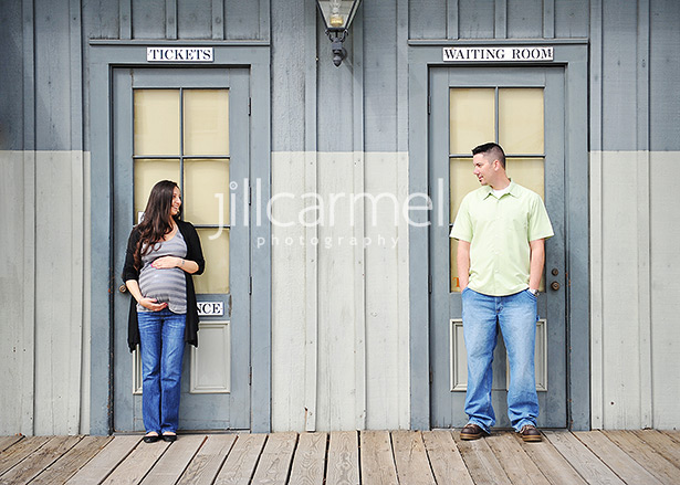 this sacramento maternity photographer thinks this is cute and funny :)