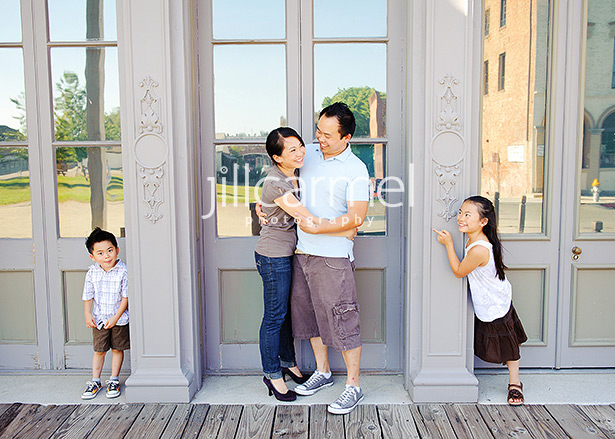 family portraits in old town sacramento (4)