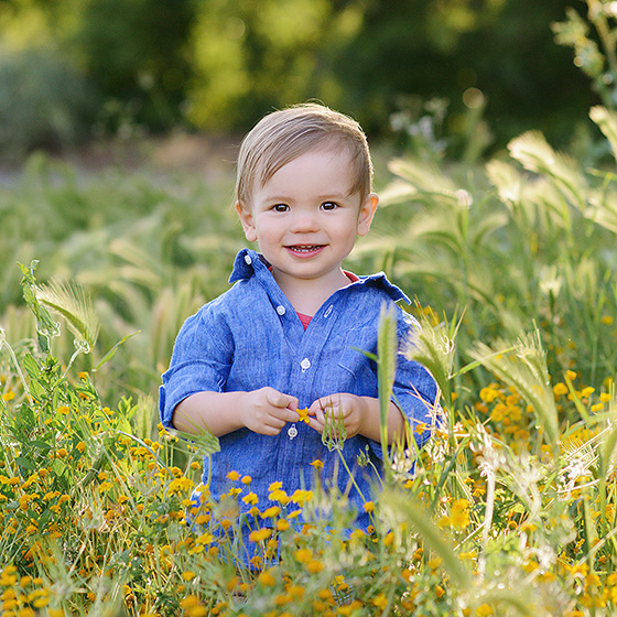 spring flowers for family portraits in davis