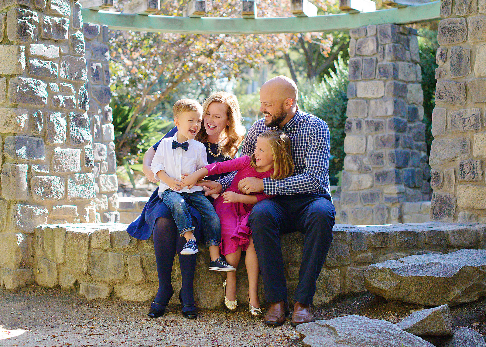 william land park stone wall garden family portraits for fall pictures with photographer jill carmel