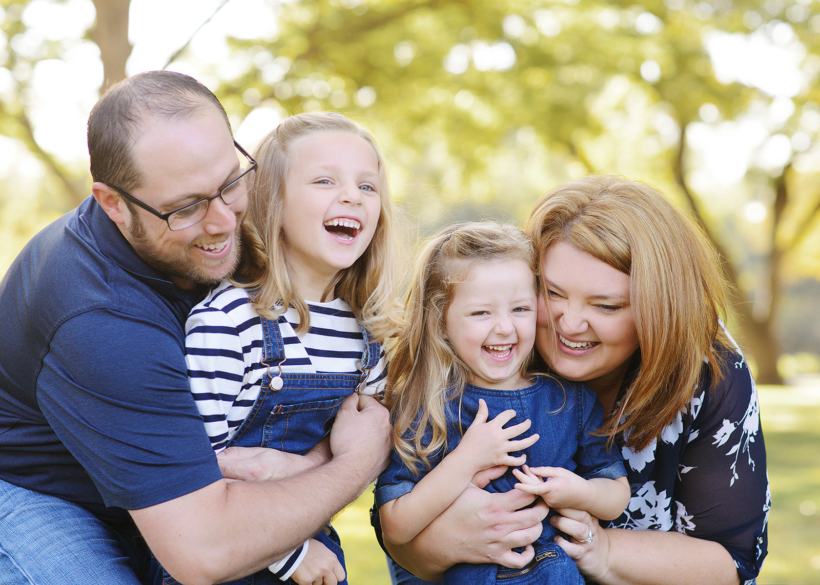 william land park family portraits with tickles for fall pictures with photographer jill carmel