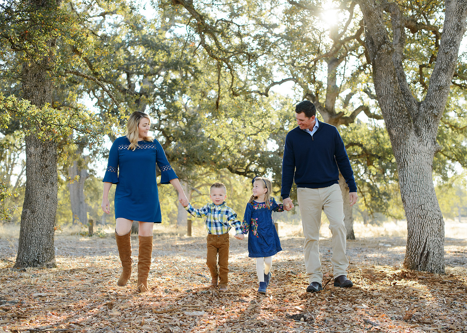 Fall Family Photos with Trees in Background in Fair Oaks Park