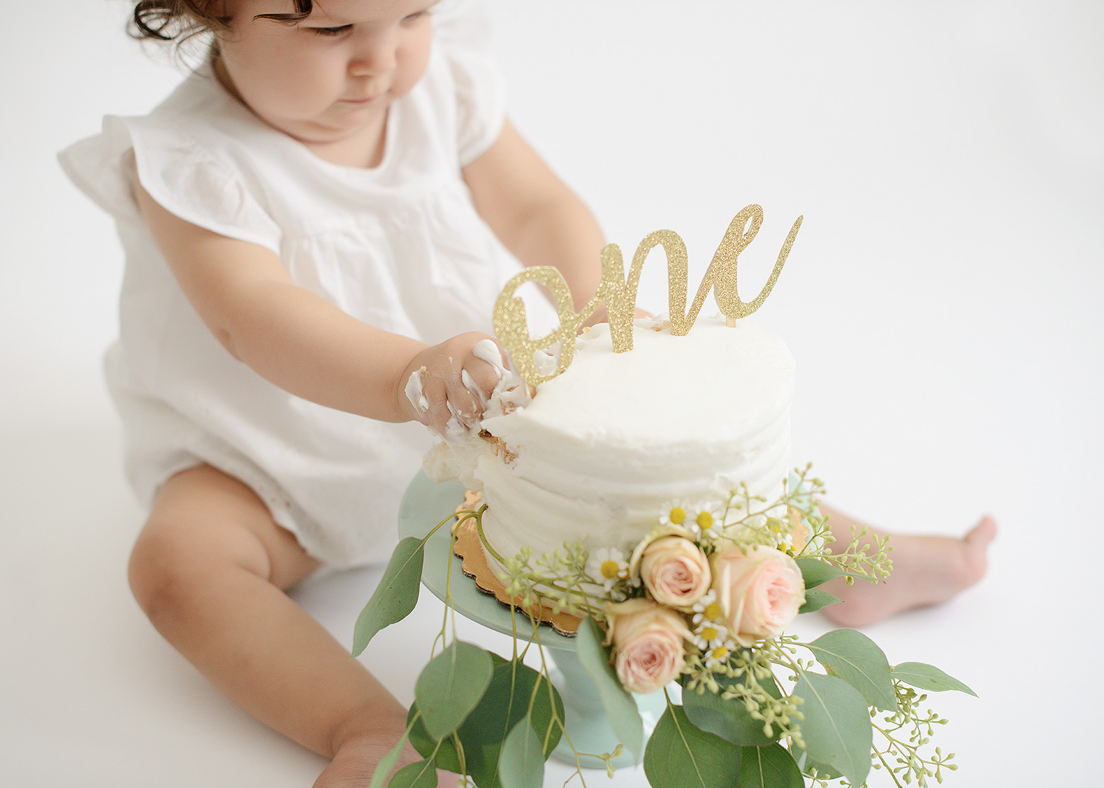 Baby Girl One Year Cake Smash with Flowers