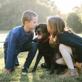 kids_kissing_their dog_2