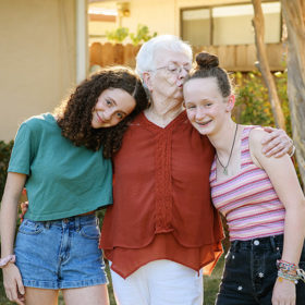 Family-Session-with-Grandma_COVER