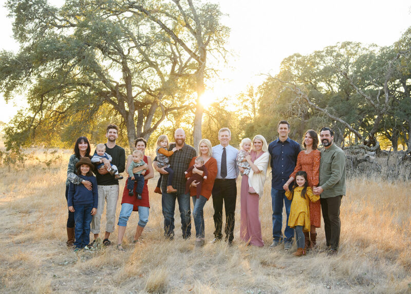 Large extended family photo during sunset in Folsom