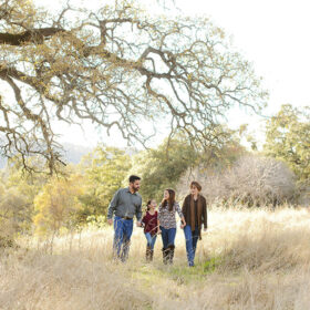 Fall-Family-Photos-in-Cameron-Park_FEATURE